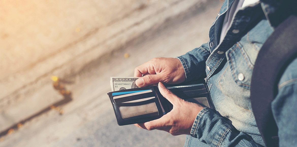 What to Consider Before Taking a Credit Card Cash Advance